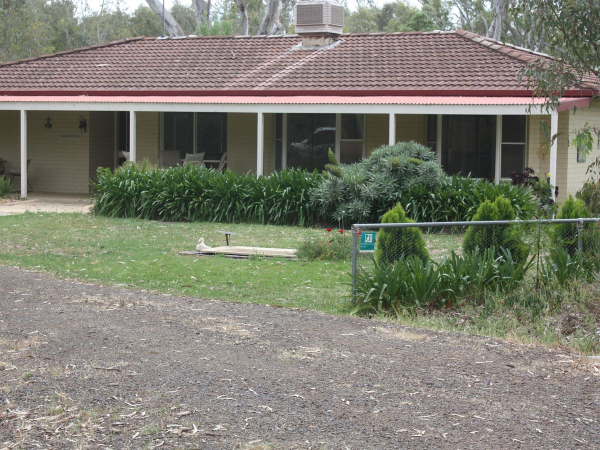 19 Lily Street, Violet Town