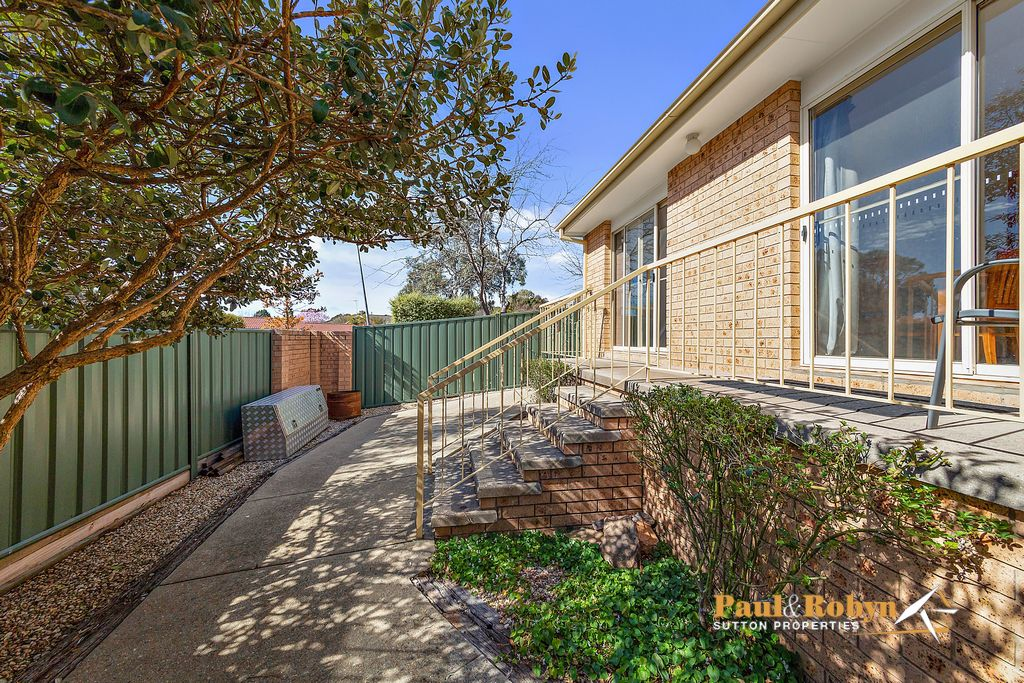 1 / 17 Derrington Crescent, Bonython