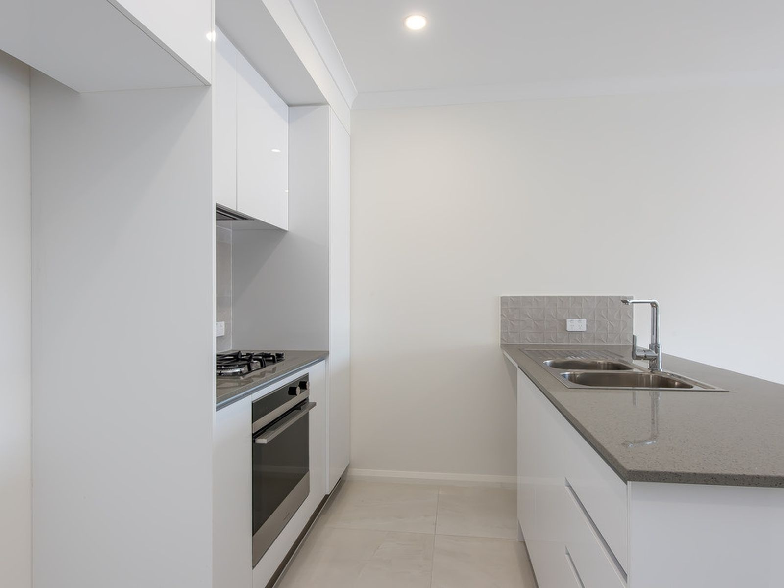 4/3 Liege Street, Woodlands