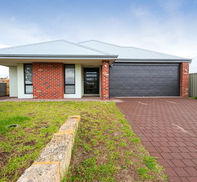 4 Fairlead Link, South Guildford
