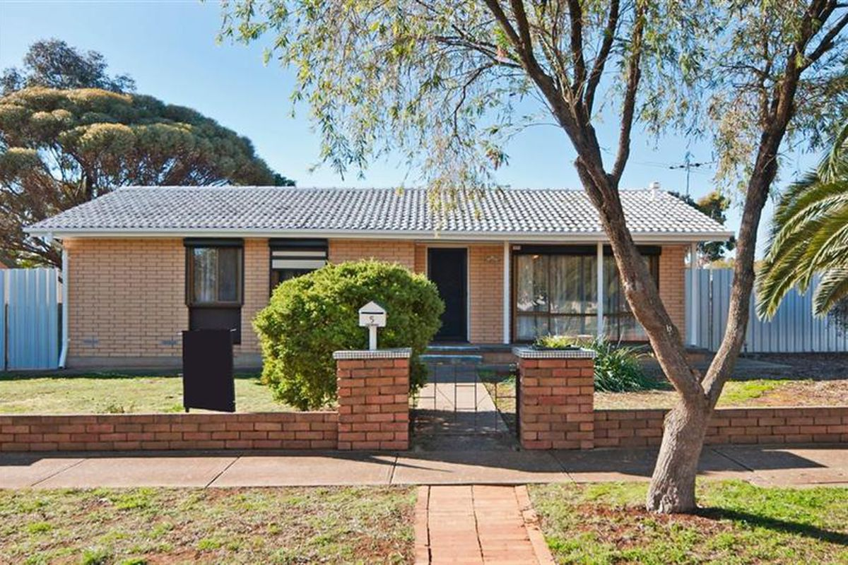 Solar, Ducted Air Conditioning & Heating, Floorboards, Pet Friendly and even has a Shed!