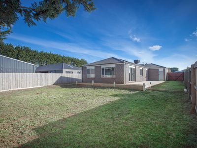 6 Mary Court, Lancefield