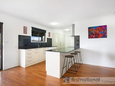 27 Glengarvin Drive, Oxley Vale