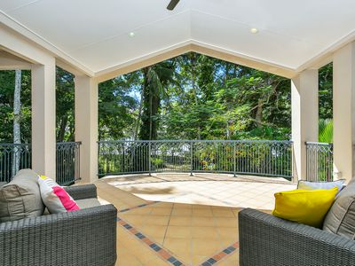 42 POINSETTIA STREET, Holloways Beach