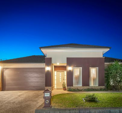 1 DATURA AVENUE, Cranbourne North