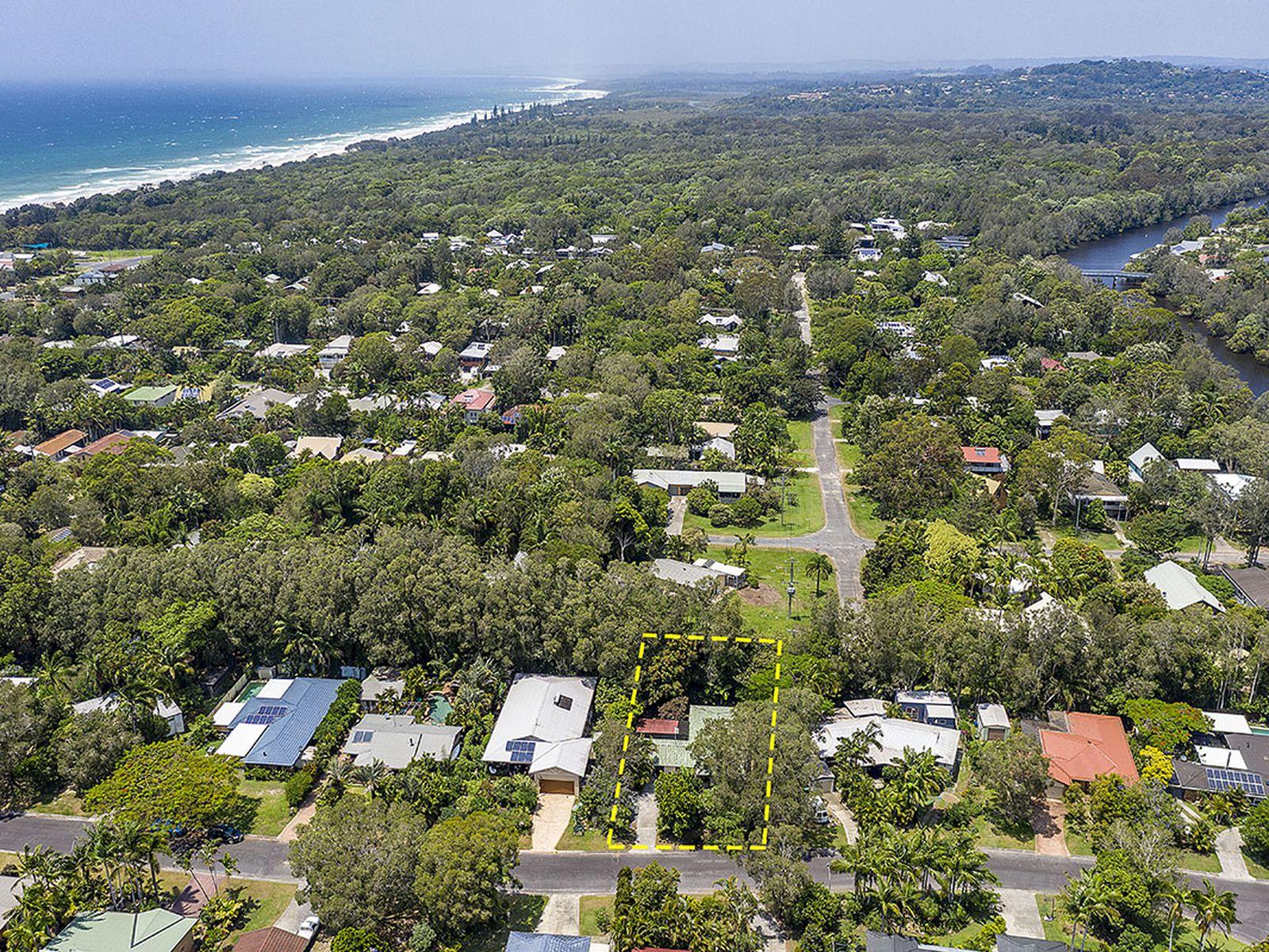 16 Berrimbillah Court, Ocean Shores