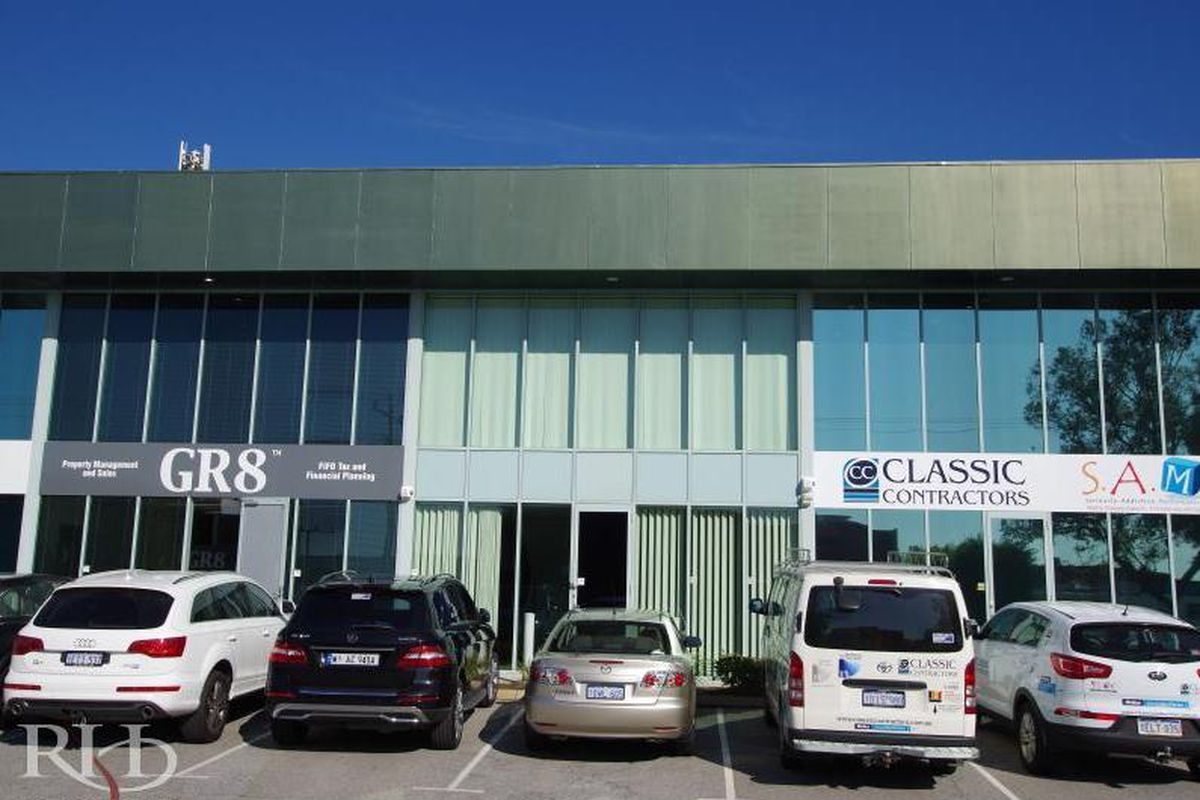Office/Showroom/Warehouse - Lease or Buy!