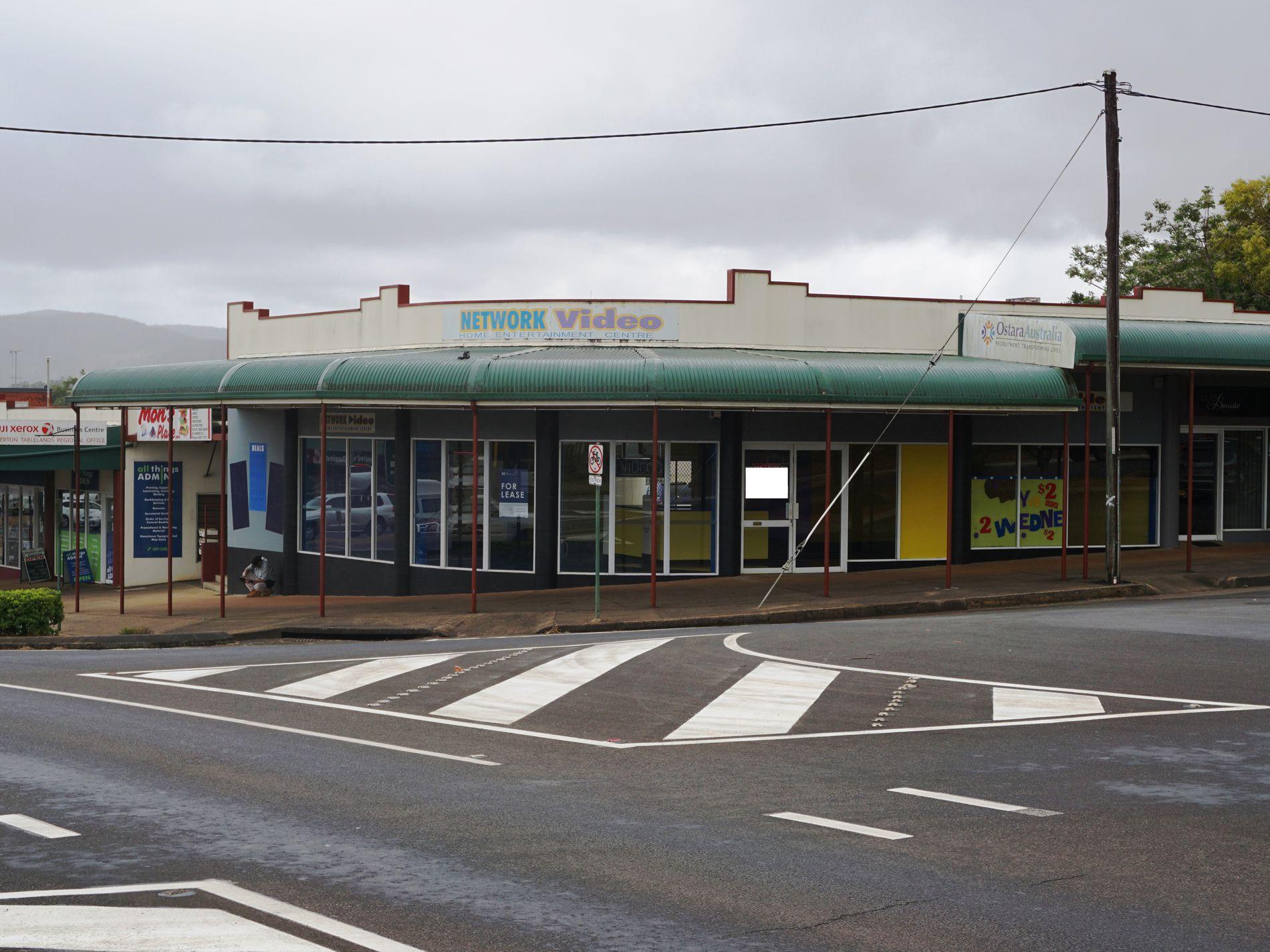 6 Robert Street, Atherton