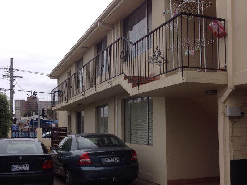 5 / 393 Barkly Street, Footscray