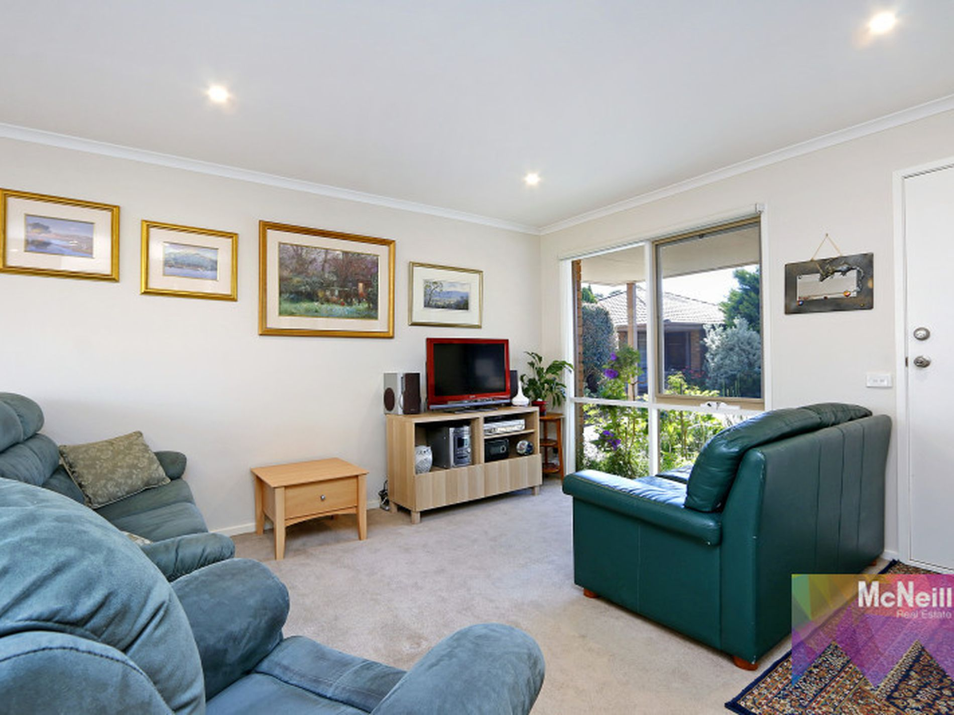5 / 7 Nicholas Court, Hastings