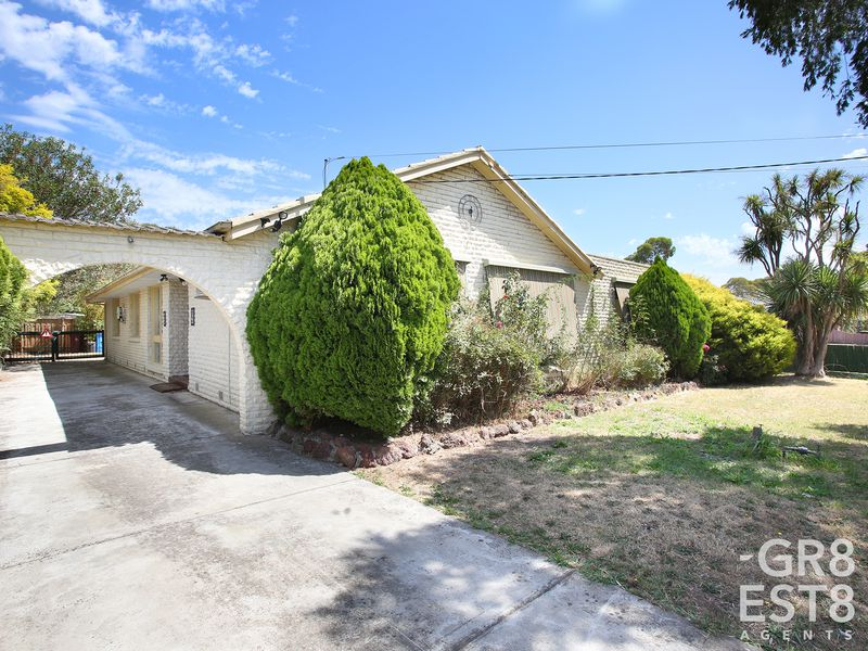 9 Circle Drive North, Cranbourne