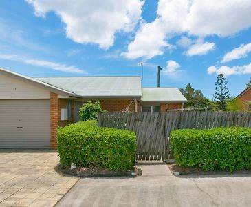 25 / 40 Leis Parade, Lawnton