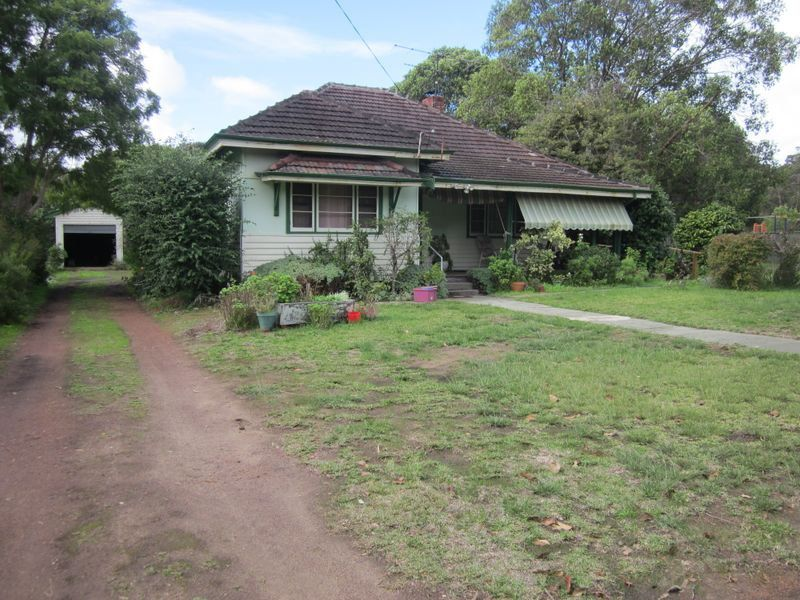 16 Blackwood Road, Greenbushes