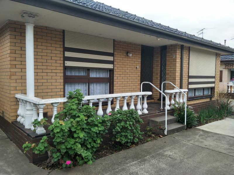 2/351 Geelong Road, Kingsville