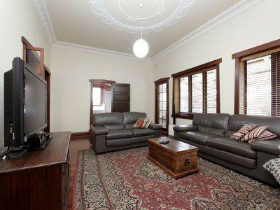 31 Loch Street, North Perth