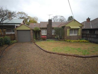 32 Carlingford Road, Epping