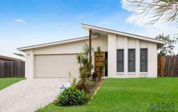 12 Asher Place, Moggill