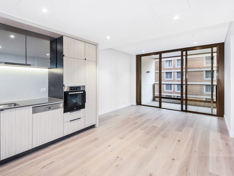One Bed + Study / 83 Harbour Street, Haymarket
