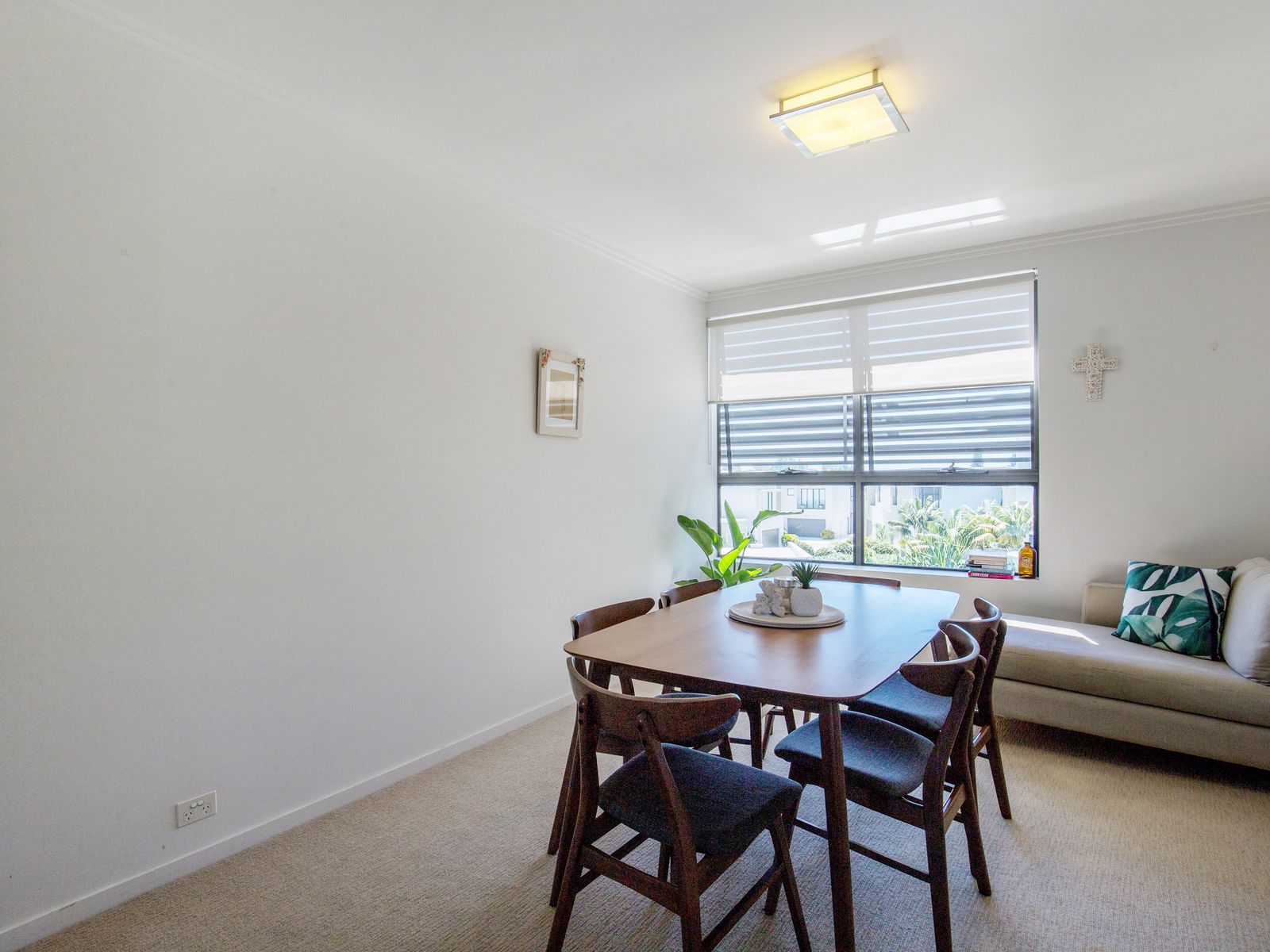 27 / 9 Moores Crescent, Varsity Lakes