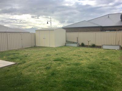 16 McDougall Grove, Wodonga