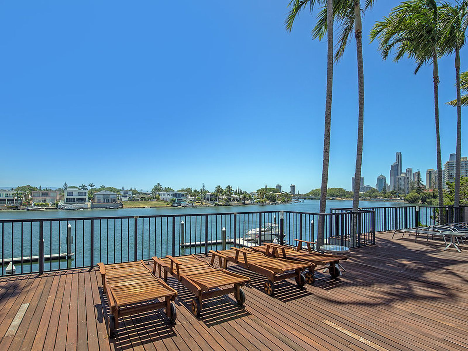 03 / 2894-2910 Gold Coast Highway, Surfers Paradise