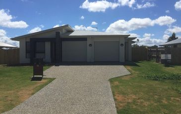 2 / 28 Weebah Place , Cambooya