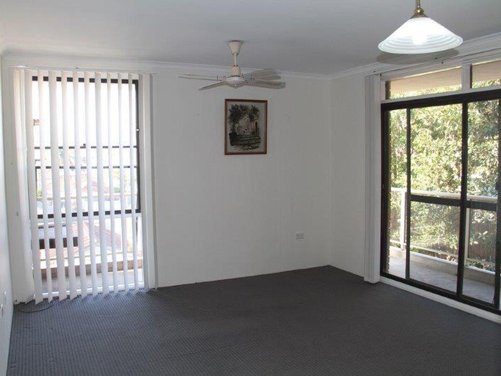 13 / 2 Wiseman Avenue, North Wollongong