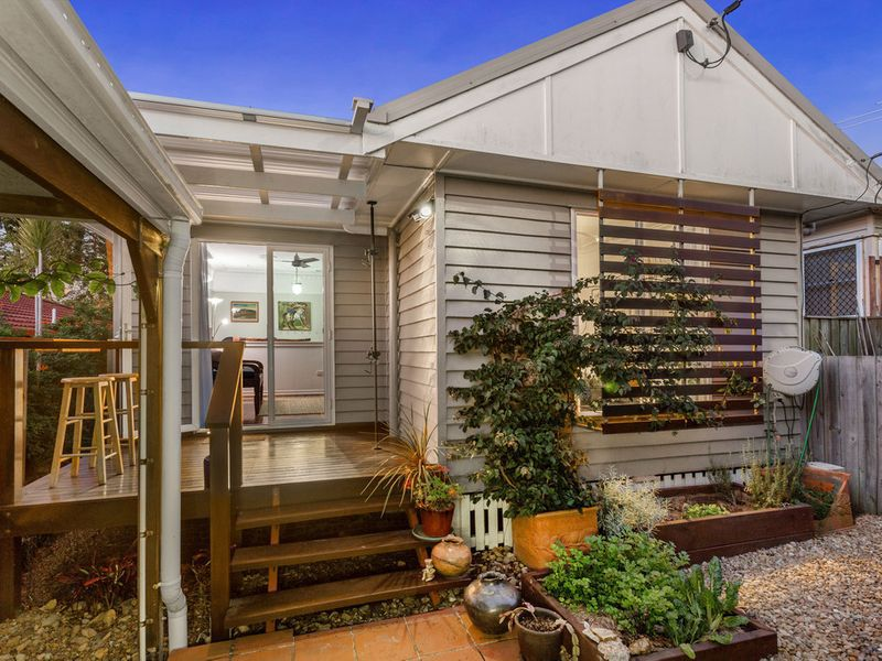 15 Faine Street, Manly West
