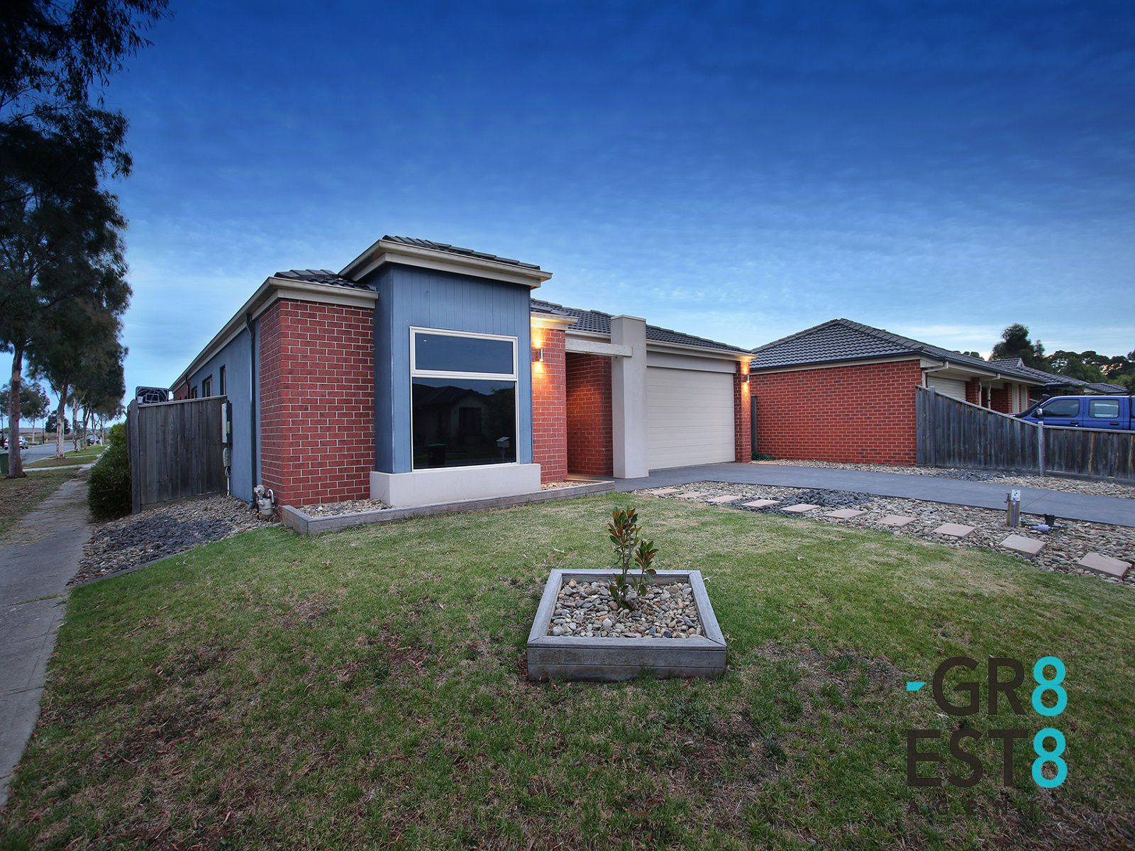 9 Howe Way, Cranbourne East