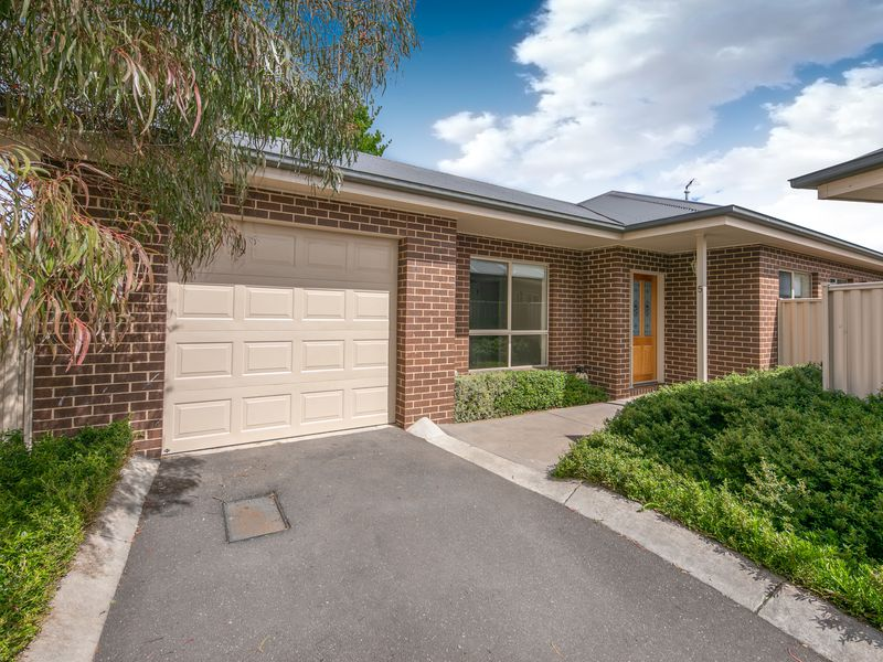 5 / 76 Barry Street, Romsey