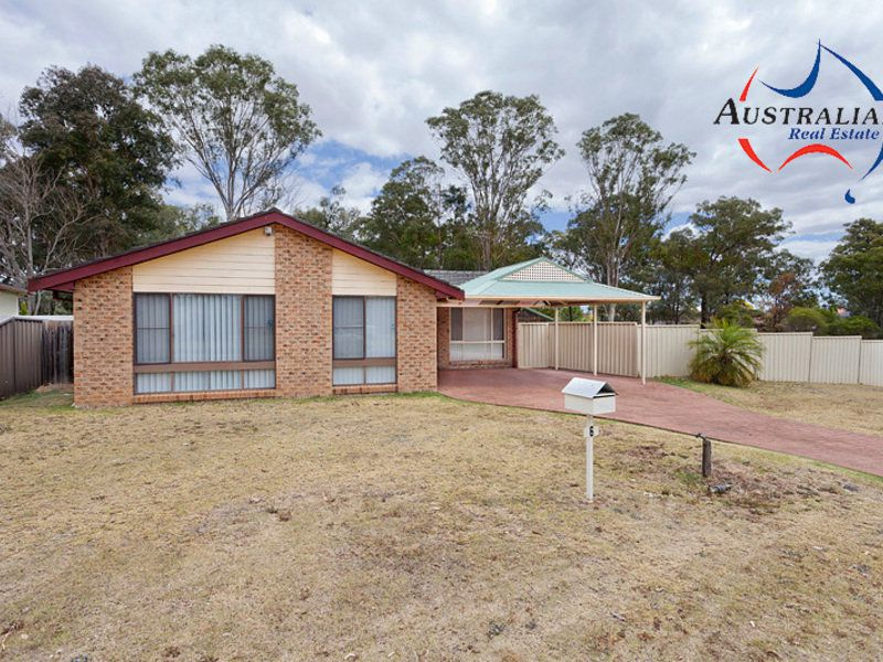 6 Hascombe Way, St Clair