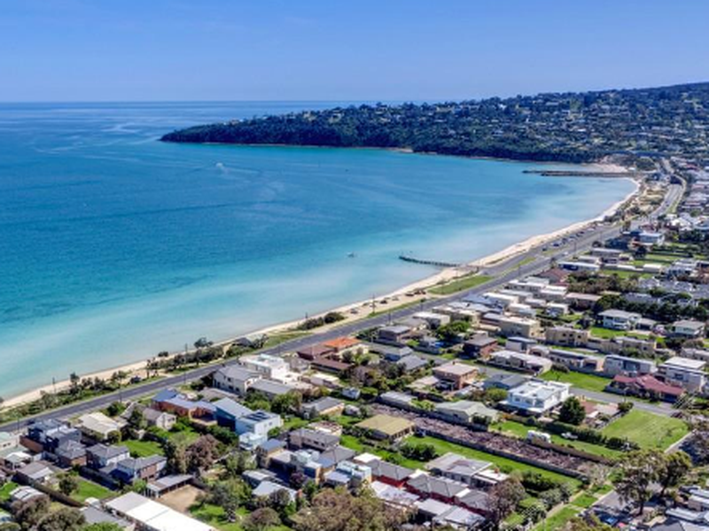 8 / 207 Dromana Parade, Safety Beach