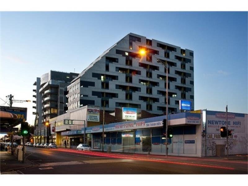 807 / 240 Barkly Street, Footscray