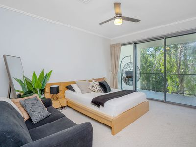 2 / 9 Crescent Ave, Mermaid Beach