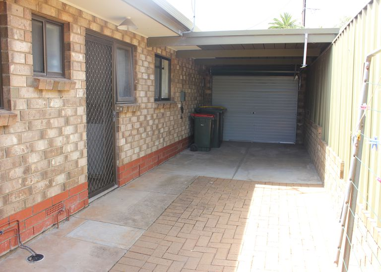 1 / 2 Gilbertson Road, Seacliff Park