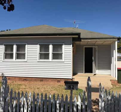 82 Bank Street, Molong