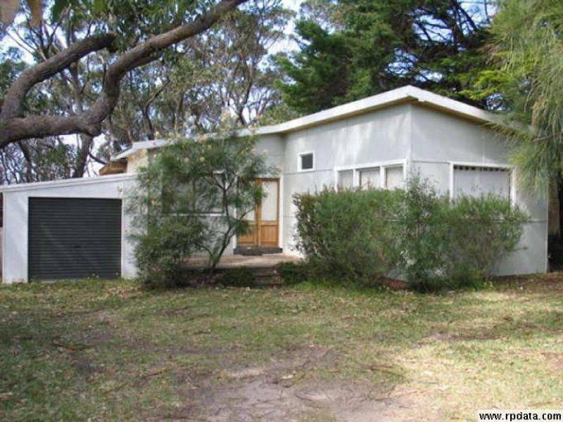 114 Collier Drive, Berrara
