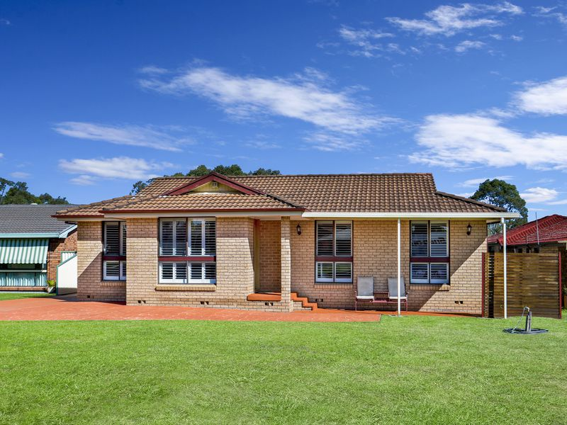 39 Horseshoe Circuit, St Clair