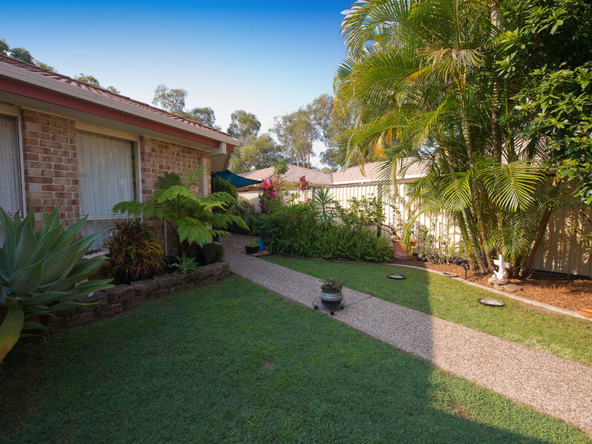 2 / 12 Ashlee Court, Coombabah