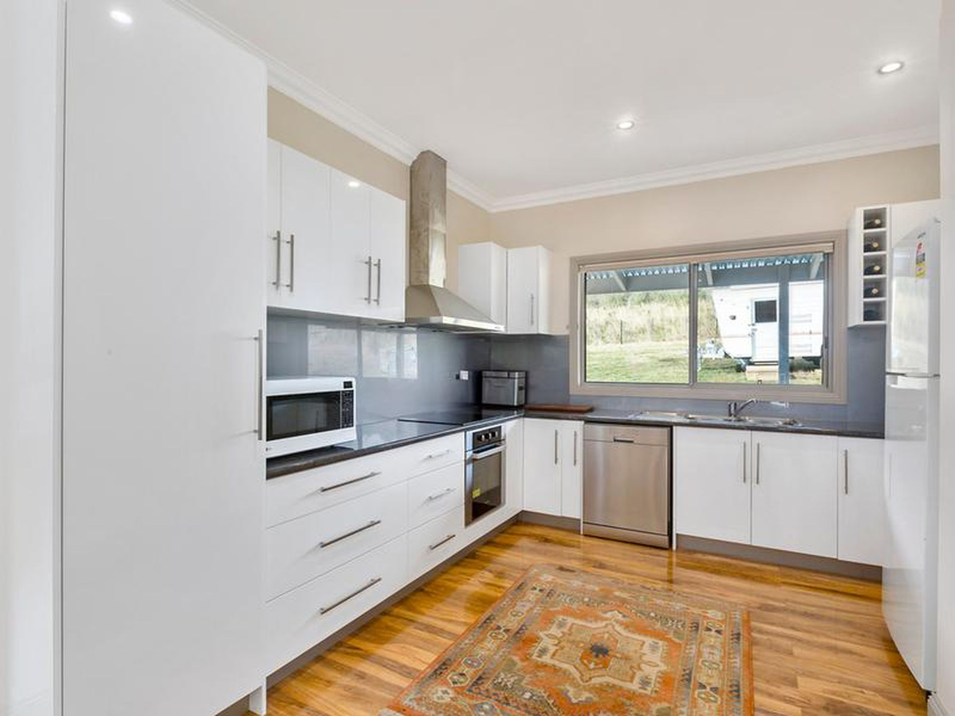 880 Woodbridge Hill Road, Gardners Bay
