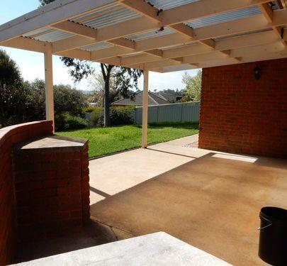 3 Hewitt Court, Wodonga