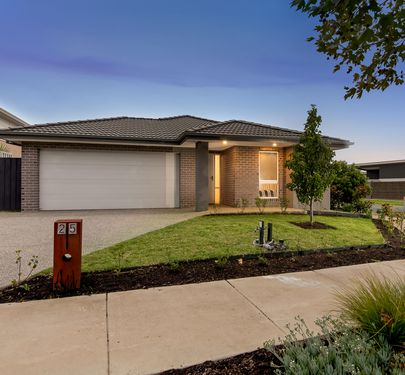 25 Coastside Drive, Armstrong Creek