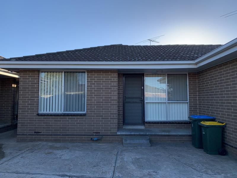 2/28 Minogue Cres, Hoppers Crossing