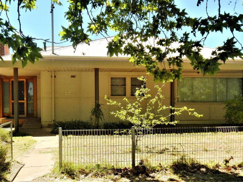 2 / 37 Kookora Street, Griffith
