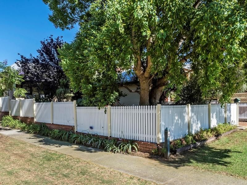 1 Johnson Ave, Guildford