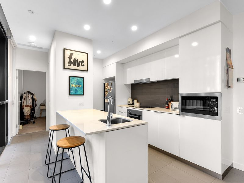 301 / 10 Trinity Street, Fortitude Valley
