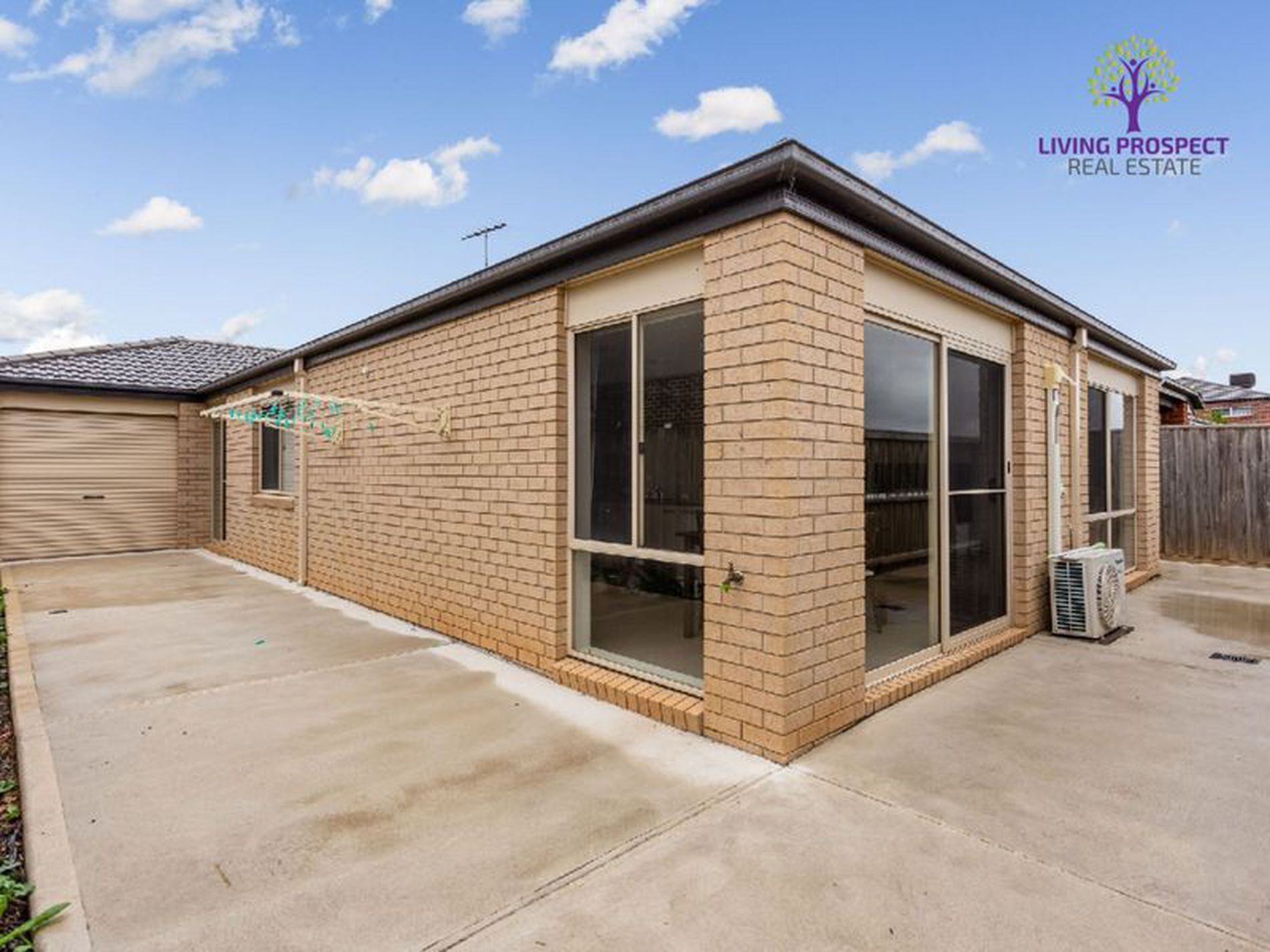 23 Tropic Circuit, Point Cook