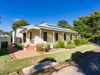 2A Greenhill Avenue, Castlemaine