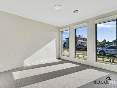63 Evesham Drive, Point Cook