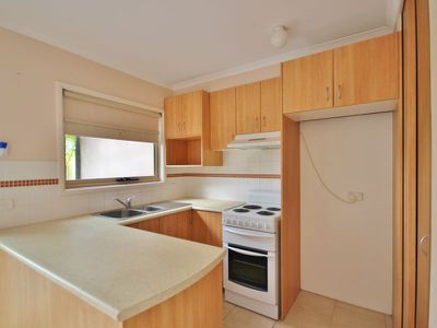 Unit 5 / 9-13 Lakeside Dr, Eden